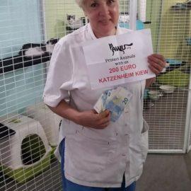Spendenübergabe für das Katzenheim Kiew